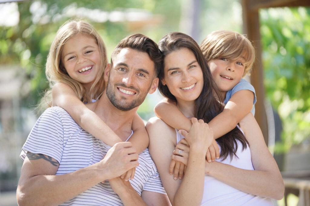 Chiropractic Happy Family